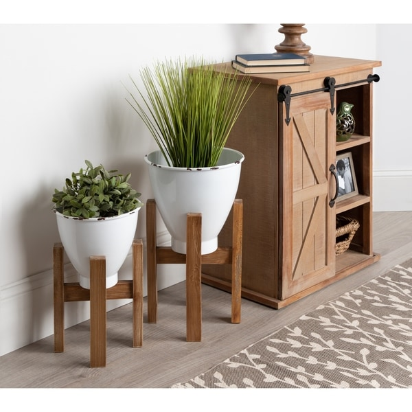 Kate and Laurel Eton Metal Planter Set with Wood Stands