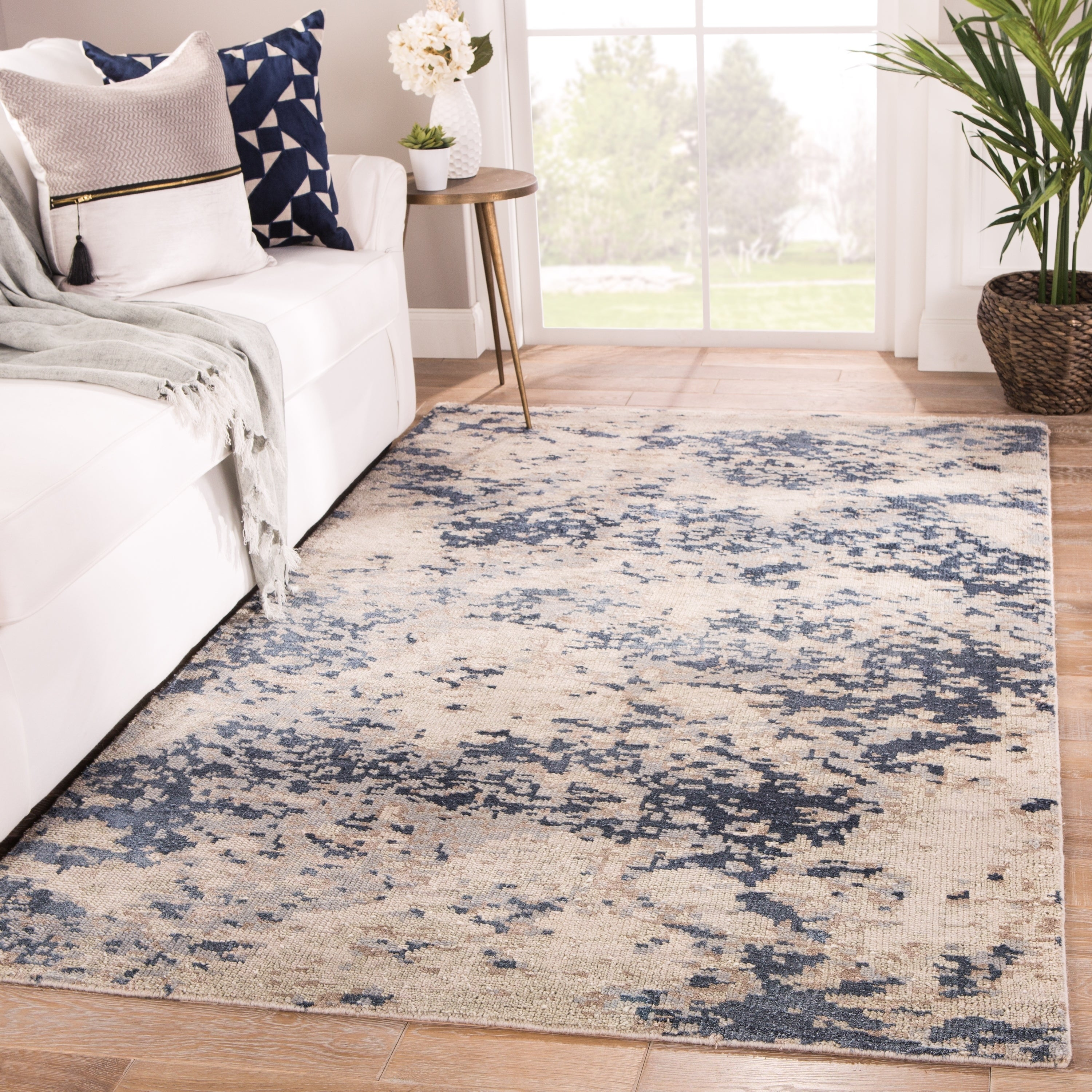 Tay Blue/Taupe Handmade Abstract Area Rug - 5\' x 8\'