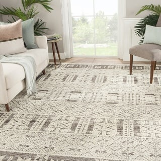 "Royce Hand-Knotted Tribal Ivory/ Gray Area Rug - 7'10"" x 10'10"""