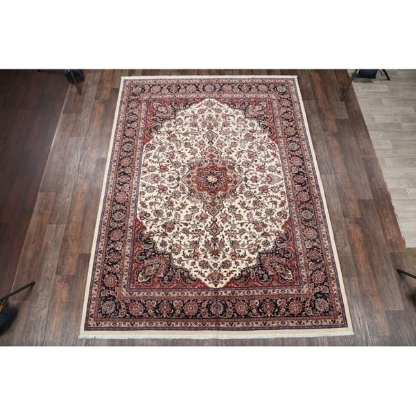 Kashmar Persian Hand Knotted Woolen Medallion Area Rug