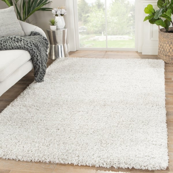 """Rhys Solid White/ Silver Area Rug - 7'10"""" x 10'"""