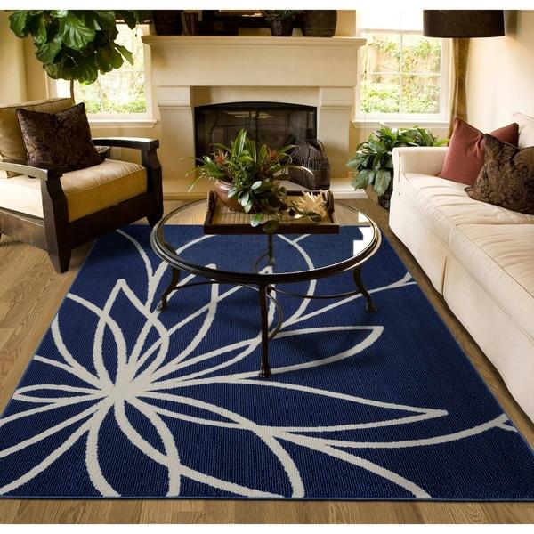 Shop Grand Floral Indigo/Ivory Large Living Room Area Rug ...