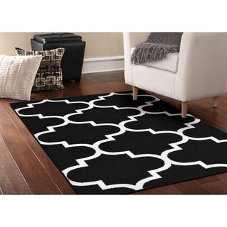 Quatrefoil Black/White Living Room Area Rug