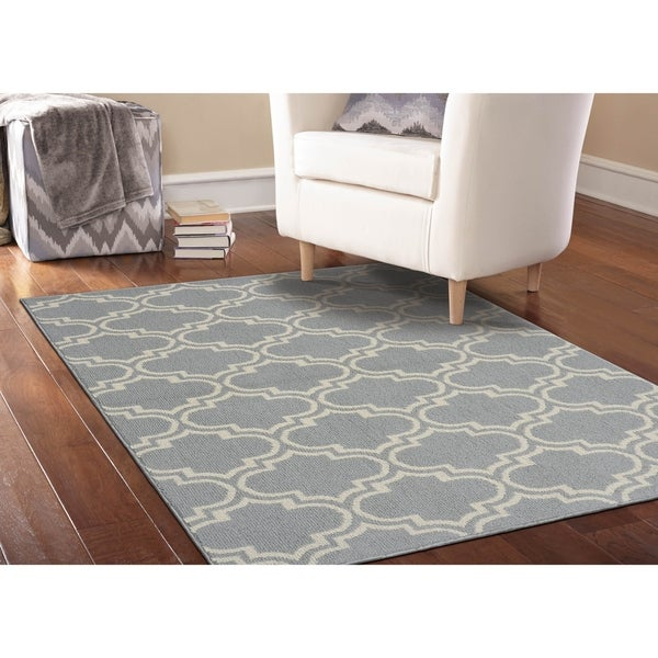 Shop Silhouette Silver/Ivory Living Room Area Rug