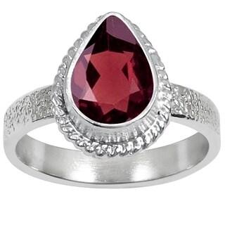 Essence Jewelry 1 2/5 Carat Garnet Silver Overlay Gemstone Fashion Ring