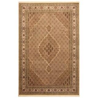Handmade Herat Oriental Indo Hand-knotted Tabriz Wool & Silk Rug (6'7 x 9'8) - 6'7 x 9'8
