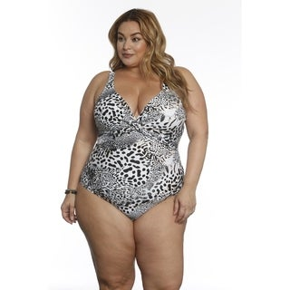 Betty's Beach Bungalow Twist Front One Piece - Curvy
