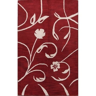 "Porch & Den Winworth Hand-tufted Floral Oriental Area Rug - 7'11"" x 5'0"