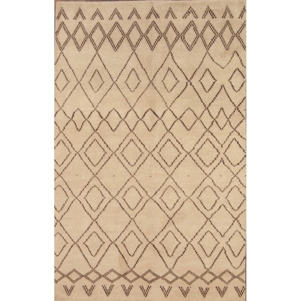 """Porch & Den Casteel Beige Wool Hand-knotted Moroccan Area Rug - 5'0"""" x 7'8"""""""