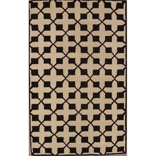 Strick & Bolton Eisley Geometric Handmade Wool Area Rug - 5' x 8'