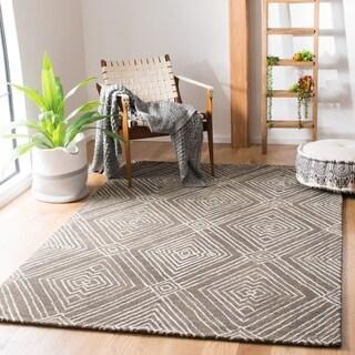 Safavieh Handmade Micro-Loop Eguzkine Wool Rug