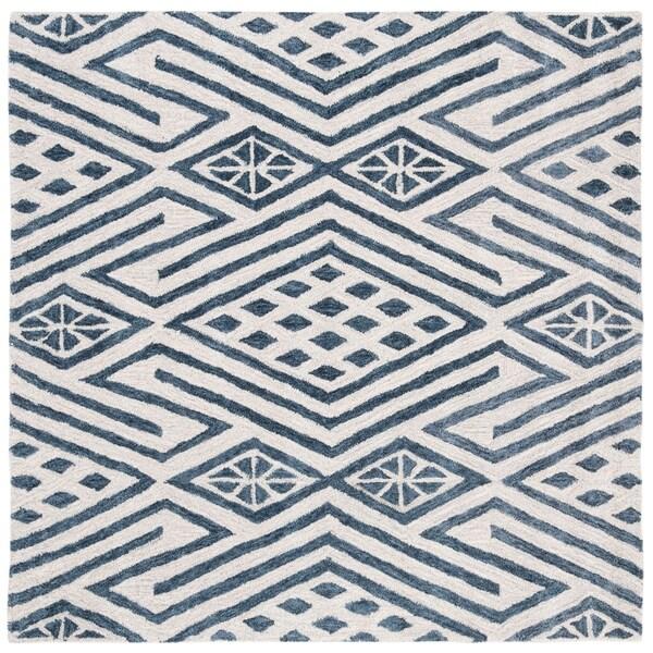 Safavieh Handmade Micro-Loop Porveig Wool Rug