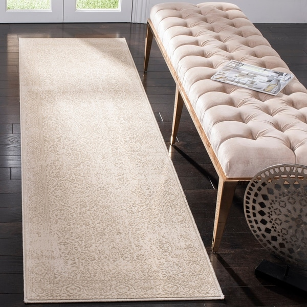 Safavieh Noble Naira Modern Oriental Polyester Rug