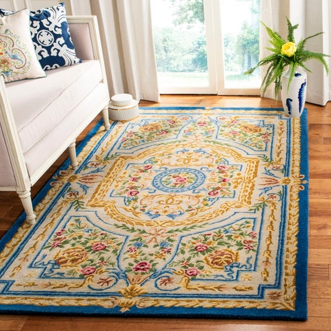Safavieh Handmade Savonnerie Traditional Blue / Ivory Wool Rug - 6' x 6' Square