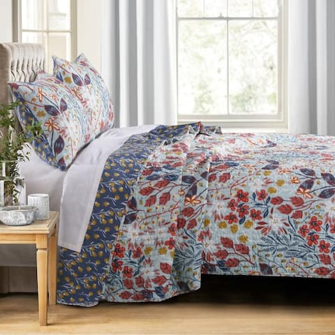 Barefoot Bungalow Perry Reversible Quilt Set