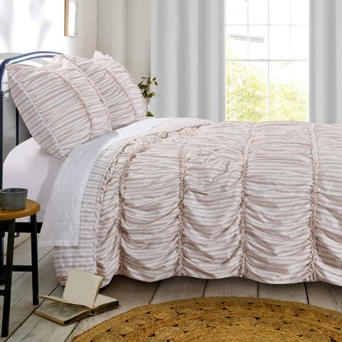 Greenland Home Fashions Farmhouse Chic Red Ruffled Quilt Set