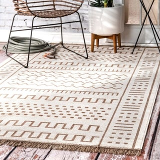 The Curated Nomad Frida Ivory Transitional Native Tribal Indoor/ Outdoor Tassels Area Rug