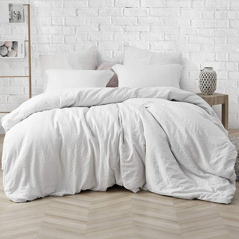 Porch & Den Arlinridge Farmhouse White Comforter