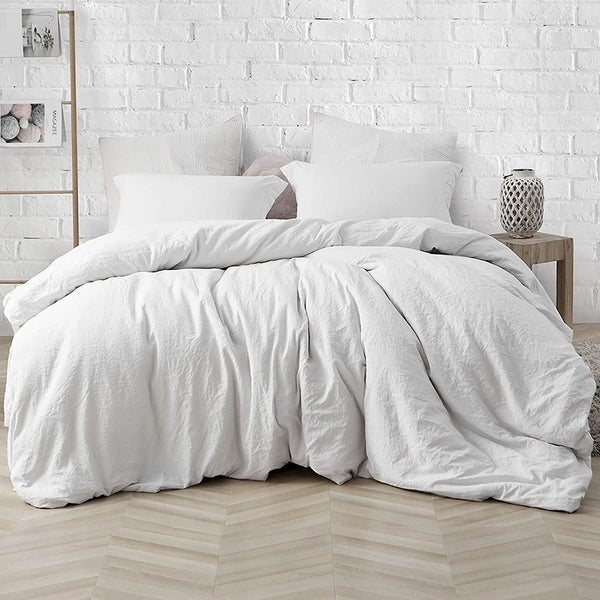 Porch & Den Arlinridge Farmhouse White Comforter by Porch & Den