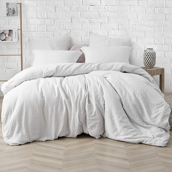 Porch & Den Arlinridge Farmhouse White Comforter