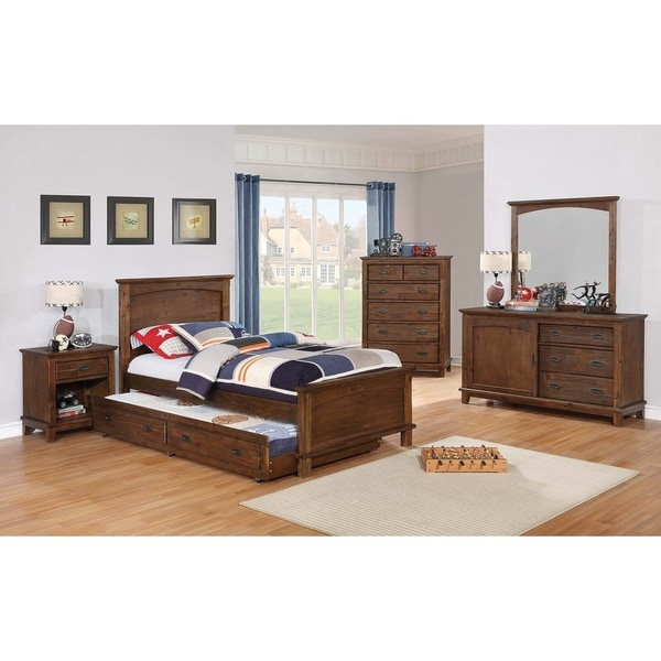 Kinsley Country Brown 4-piece Bedroom Set