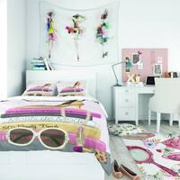 Designart 'Paris Glamourous Gold Style III' Glam/Teenage Bedding Set - Duvet Cover & Shams
