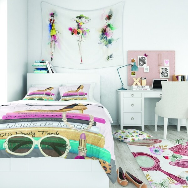 Designart 'Paris Glamourous Gold Style IV' Teenage Bedding Set - Duvet Cover & Shams