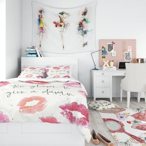 Designart 'Glam Chic Accents VII' Glam/Teenage Bedding Set - Duvet Cover & Shams