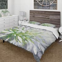 Designart 'Flower Cleome Splash II' Cottage Bedding Set - Duvet Cover & Shams
