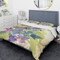 Designart 'Spring Bouquet II' Traditional Bedding Set - Duvet Cover & Shams