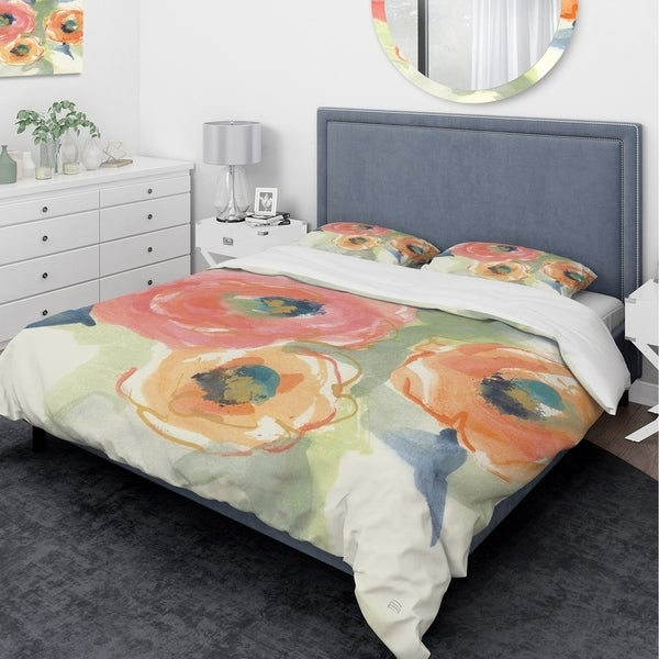 Designart 'Buttercup II' Traditional Bedding Set - Duvet Cover & Shams