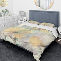 Designart 'Magnolias in White II' Traditional Bedding Set - Duvet Cover & Shams