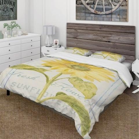 Designart 'Floursack Florals II' Cottage Bedding Set - Duvet Cover & Shams