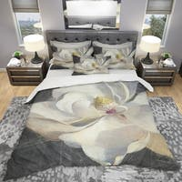 Designart 'Vivid White Magnolia IV' Shabby Bedding Set - Duvet Cover & Shams
