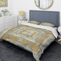 Designart 'Gold Glam on Grey Tapestry I' Glam Bedding Set - Duvet Cover & Shams