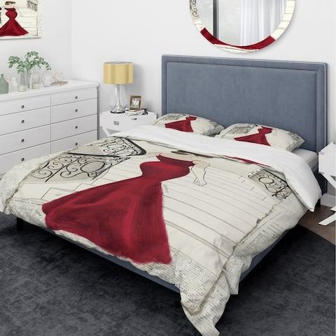 Designart 'Elegance Glam Paris Diva III' Glam Bedding Set - Duvet Cover & Shams
