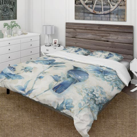 Designart 'Indigold Bird Cottage Family I' Cottage Bedding Set - Duvet Cover & Shams