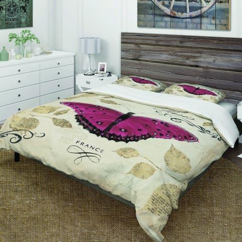 Designart 'Red Farmhouse Butterfly' Farmhouse Bedding Set - Duvet Cover & Shams