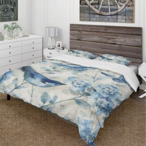 Designart 'Indigold Bird Cottage Family II' Cottage Bedding Set - Duvet Cover & Shams
