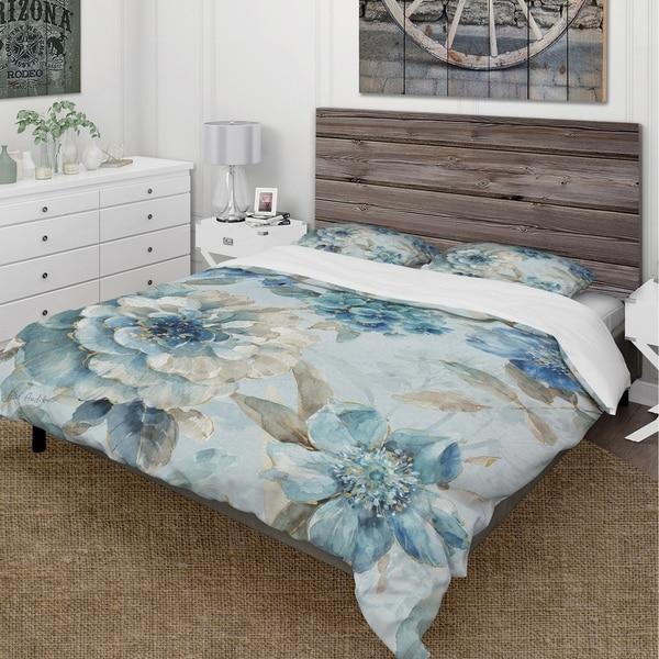 Designart 'Indigold Watercolor Lovely bird IV' Cottage Bedding Set - Duvet Cover & Shams