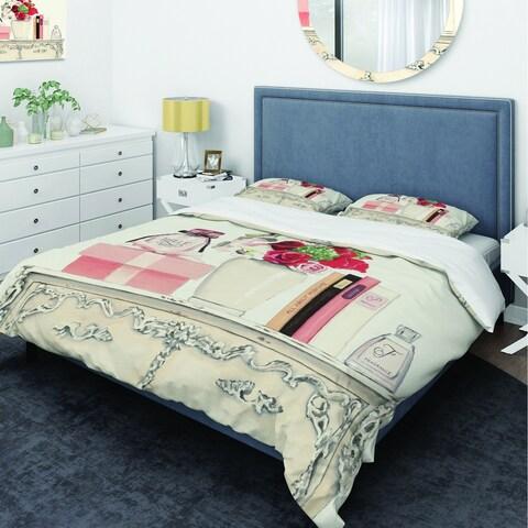 Designart 'Roses, Fragrance and Glamorous Belle Parfum' Glam Bedding Set - Duvet Cover & Shams