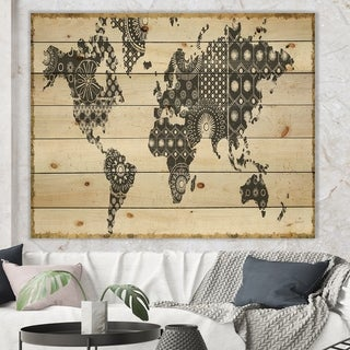 Designart 'Madallions Map' Traditional Print on Natural Pine Wood - Black