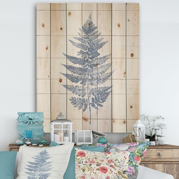 Designart 'Blue Fern Print on wood I' Cabin & Lodge Print on Natural Pine Wood - Blue