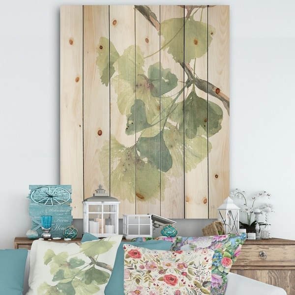 Designart 'Watercolor Gingko Leaves II' Cabin & Lodge Print on Natural Pine Wood - Green