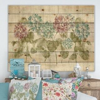 Designart 'Red and Blue Vibrant Hydrangea Flowers' Cabin & Lodge Print on Natural Pine Wood - Grey/Green