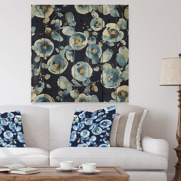 Designart 'Indigold metallic Flower Pattern' Floral Print on Natural Pine Wood - Blue