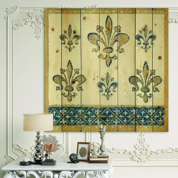 Designart 'Fleur de Lis Gold Pattern' Ornate Glam Print on Natural Pine Wood - Blue