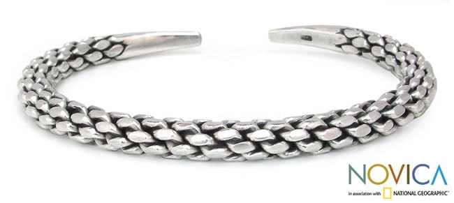 Gorgeous Constrasting Oxidized and Polished Silver Surfaces Pine Cone Pattern Modern Womens Bangle Cuff Bracelet (Thailand)