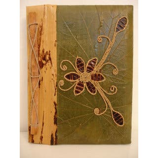 Handmade Green/Brown Rayon from Bamboo/Leaf Pea Pod Flower Photo Album (Indonesia) https://ak1.ostkcdn.com/images/products/2601609/P10811598.jpg?impolicy=medium
