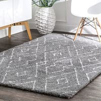nuLOOM Gray Handmade Soft and Plush Diamond Lattice Area Shag Rug